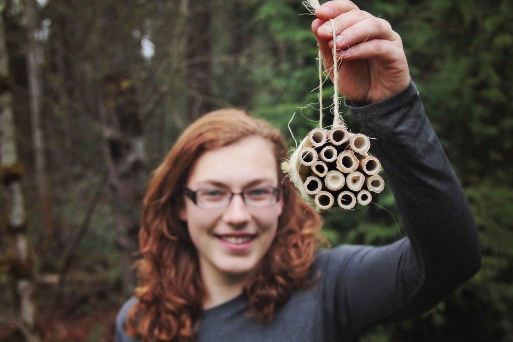 Girl with mason bee bundle, how to help