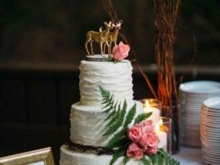 Wedding cake with deer