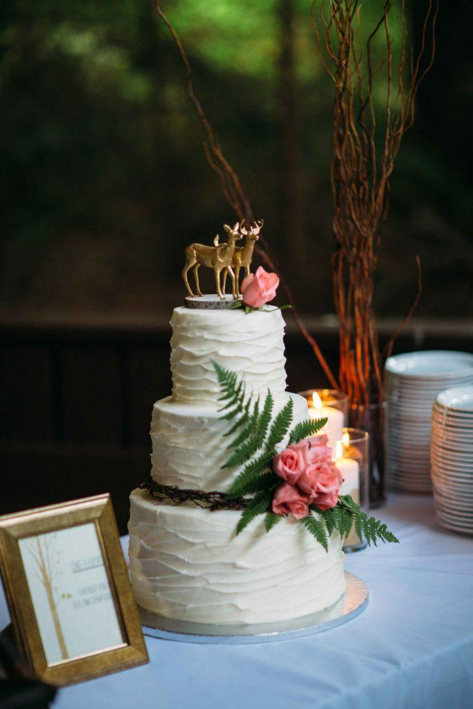 Wedding cake with deer